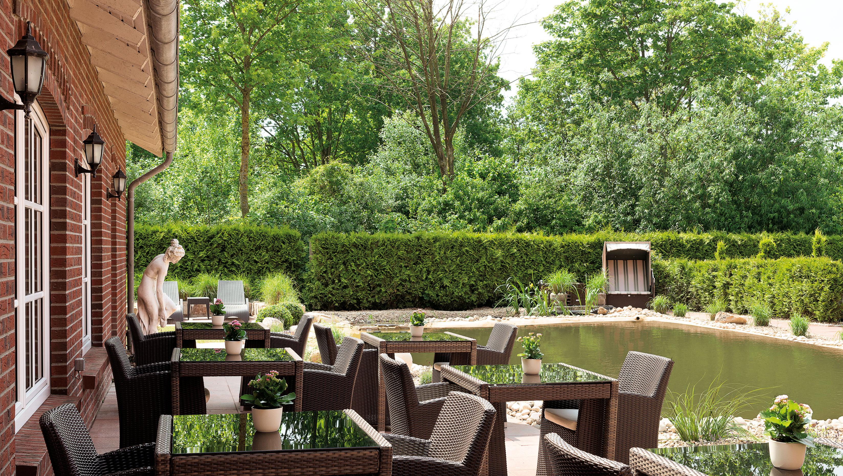 outdoor badeparadies im romantik hof erholung f r die seele. Black Bedroom Furniture Sets. Home Design Ideas